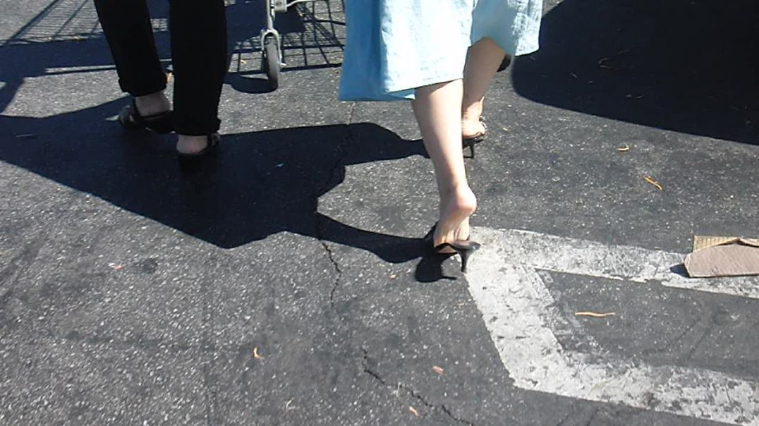 Mature shopping at costco in Mules