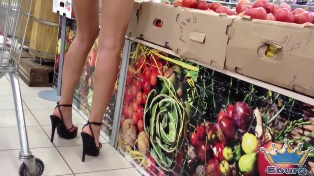 Eburg Candid - Sexy Girl at the Supermarket