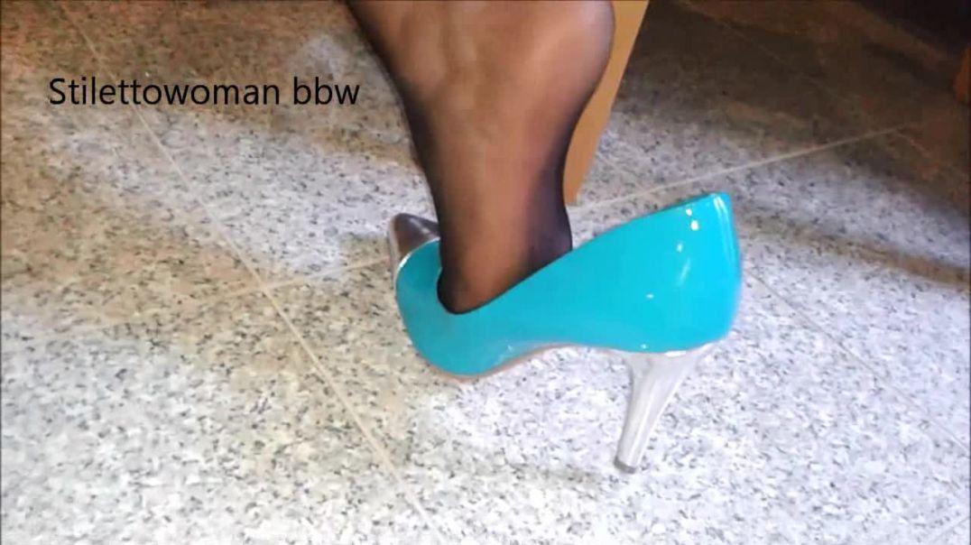 heelpopping  with 10cm Pumsp, shoeplay, black Nylons