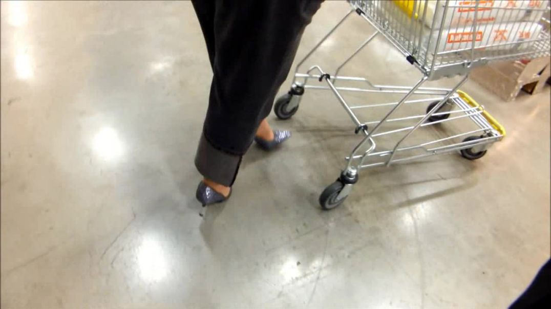 shopping with strass Pumps, Stilettowoman bbw
