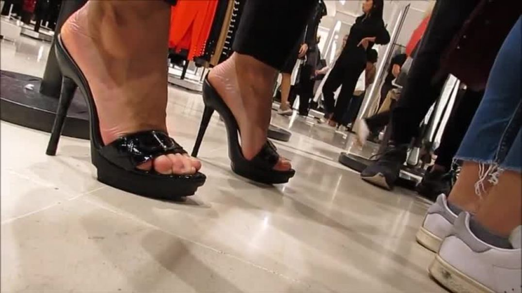 Goddess shopping in sexy black Mules