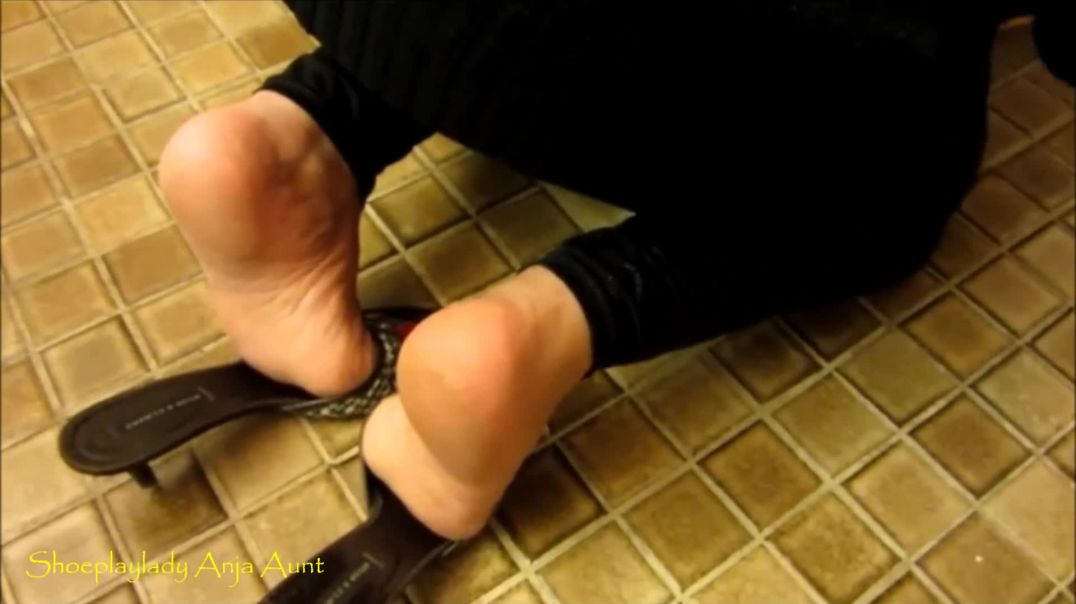 Shoeplay - Mature Soles ready to cum