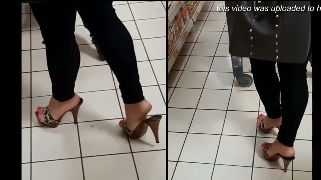 Street Candid  - Leopard Mules at the Supermarket