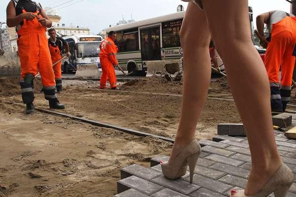 Why Russian Women Prefer to Wear Stilettos?