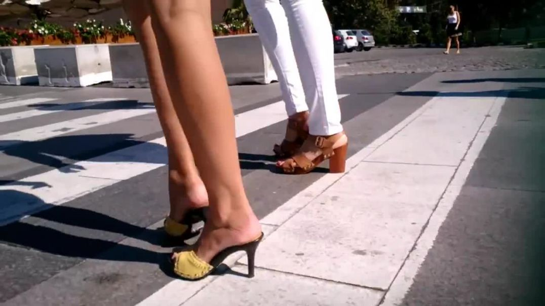 Slim chick wearing yellow sandals by Alleysia