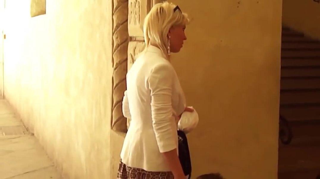 Street Candid - Hot Italian Mom in Highheel Mules