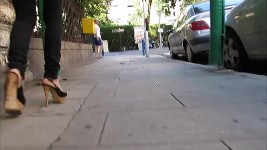 Street Candid  - Sexy Lady in Extreme Slingback High Heels by Stilettoheels06