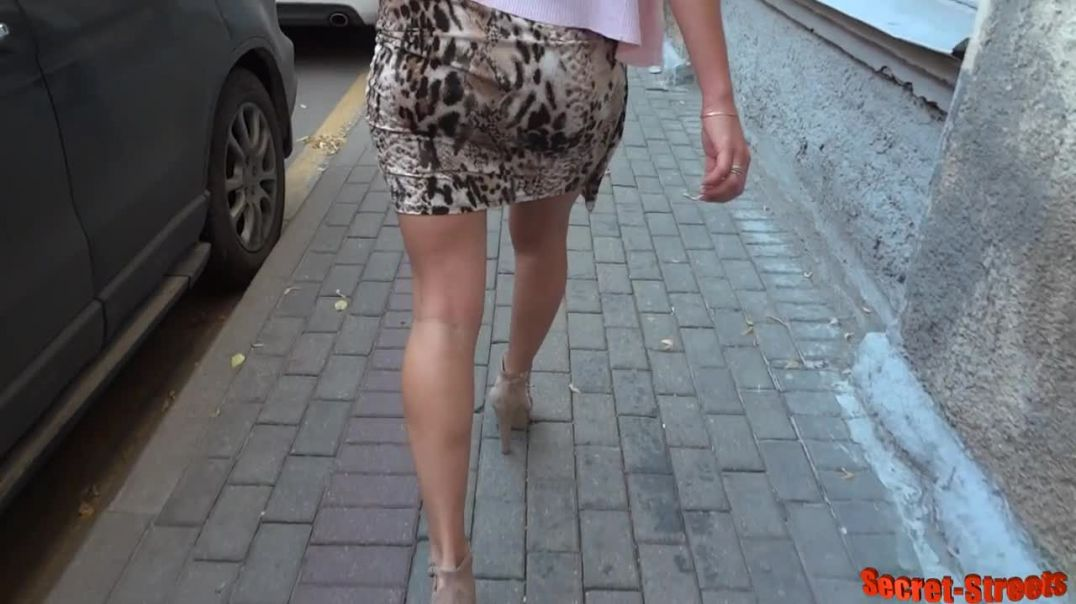 Street Candid - Sexy Russian MILF in Leo Dress and High Heels