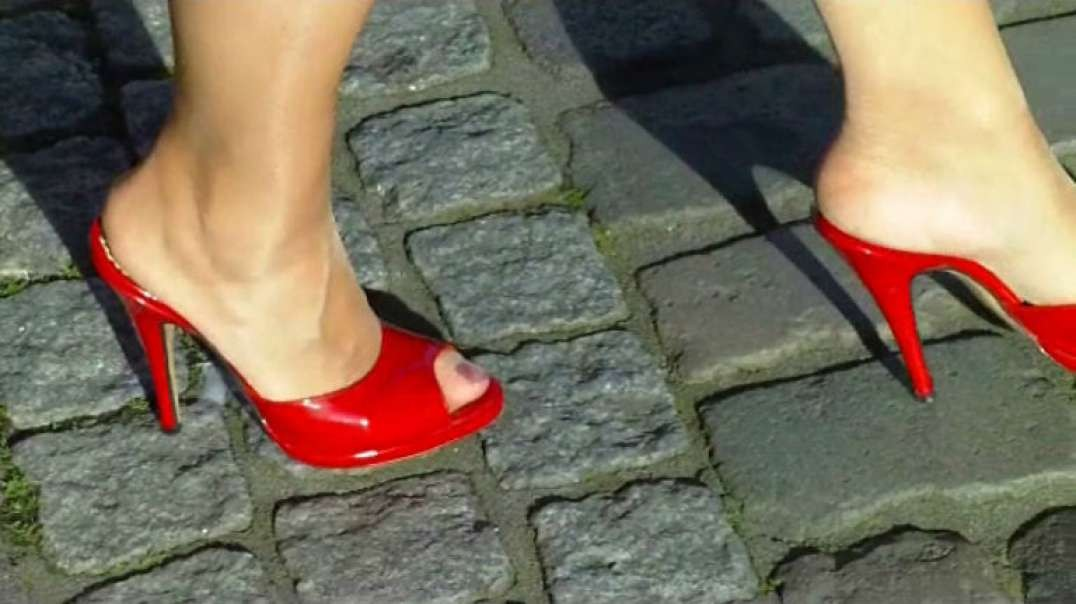 Red Mules in HD (1) Slow Motion (2)