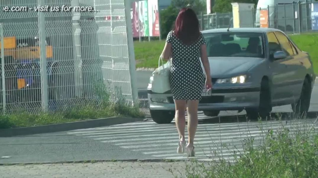 Street Candid - Sexy Redhead in Slingback High Heels